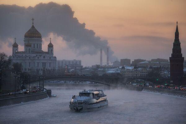 Un panfilo sulla Moscova. - 24°C - Sputnik Italia