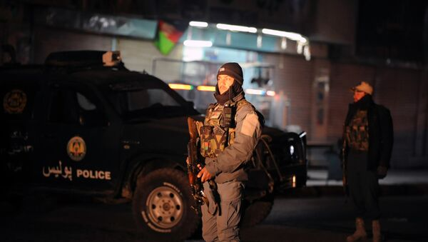 Poliziotto afghano sul luogo dell'esplosione a Kandahar - Sputnik Italia
