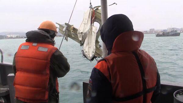 Retrieving the wreckage of the crashed Tu-154 aircraft in the Black Sea near Sochi - Sputnik Italia