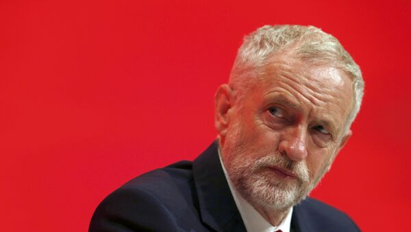 The Leader of Britain's opposition Labour Party, Jeremy Corbyn listens to a speech on the first day of the Labour Party conference, in Liverpool, Britain September 25, 2016. - Sputnik Italia
