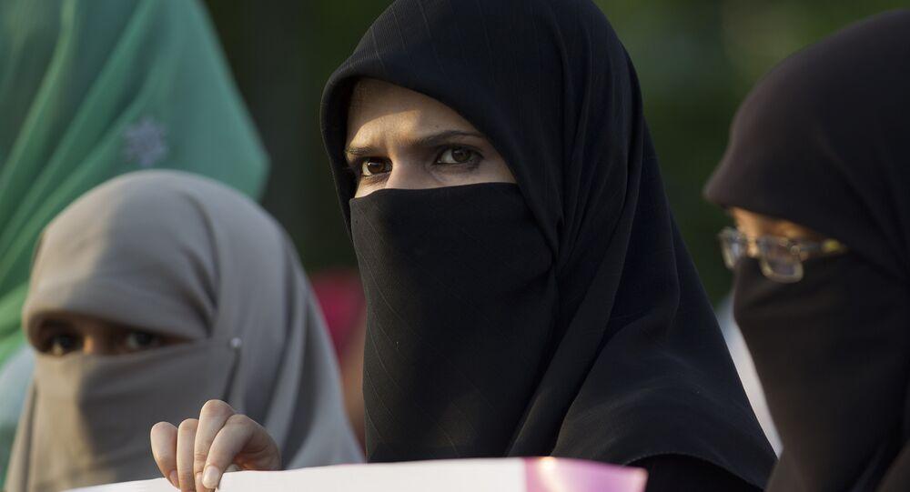 Donne musulmane col niqab