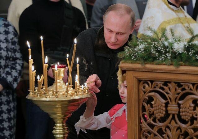 Il presidente Putin in Chiesa