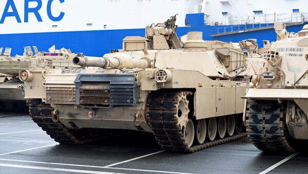 Tank USA nel porto tedesco di Bremerhaven  - Sputnik Italia