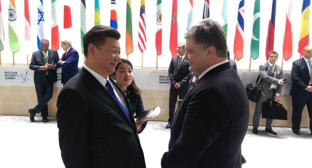 Petro Poroshenko e Xi Jinping