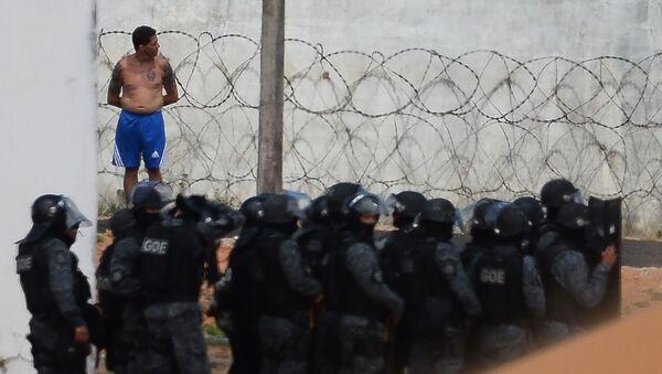Полиция в тюрьме бразильского города Натал, где возник бунт - Sputnik Italia