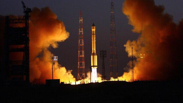 Lancio del razzo-vettore Proton-M dal cosmodromo di Bajkonur - Sputnik Italia