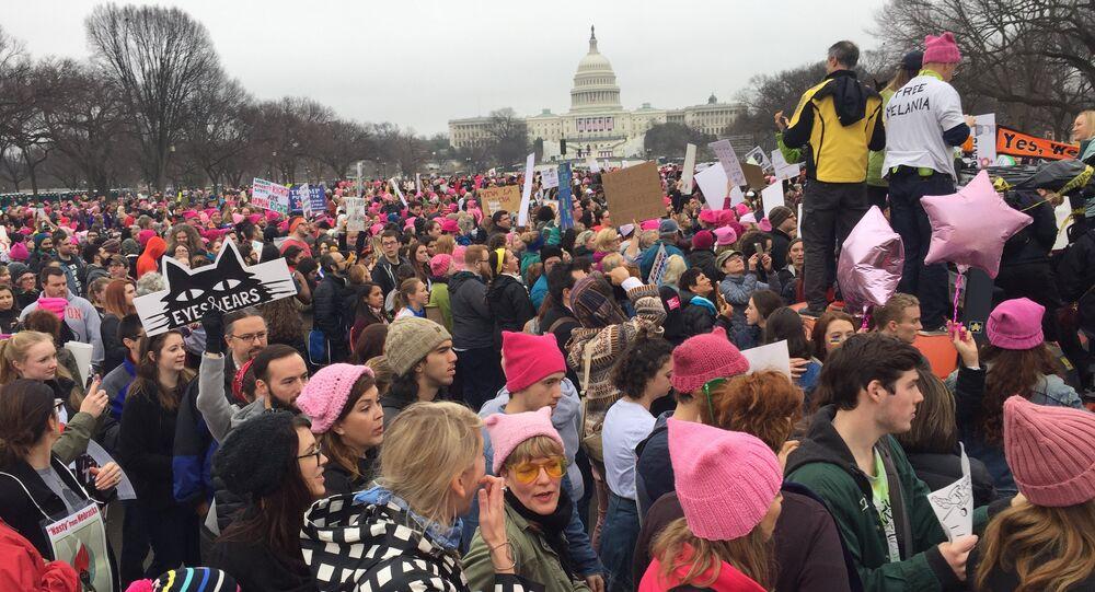 Dimostranti anti-Trump a Washington