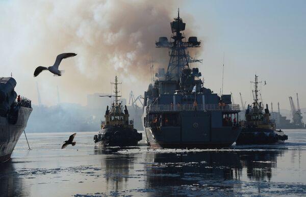 Le navi della flotta russa del Pacifico si incontrano a Vladivostok - Sputnik Italia