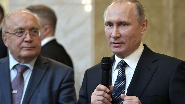 Президент РФ Владимир Путин провел заседание попечительского совета МГУ - Sputnik Italia