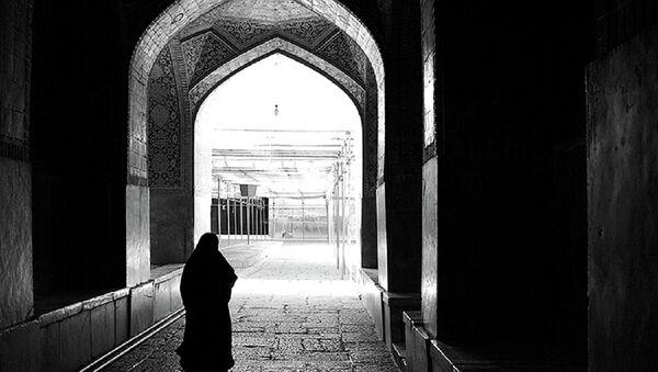 A woman in hijab - Sputnik Italia