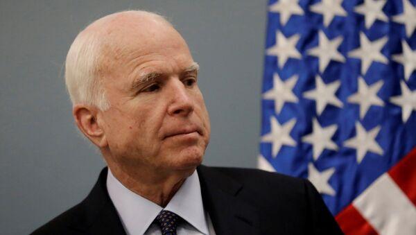 US Senator John McCain attends a news conference at the Benjamin Franklin Library in Mexico City, Mexico December 20, 2016. - Sputnik Italia
