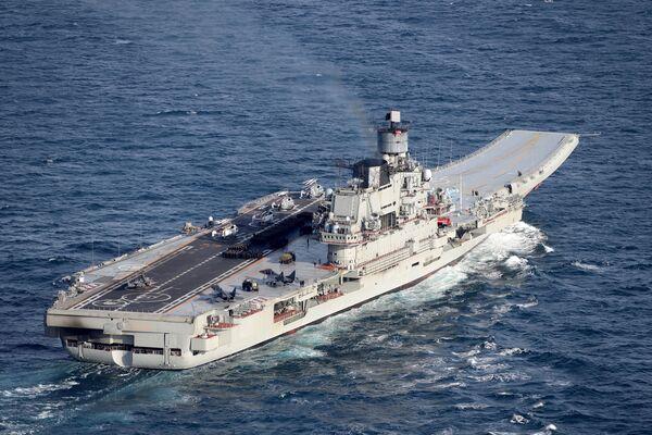 Navi da guerra britanniche scortano sulla Manica il passaggio dell'incrociatore missilistico e portaerei della Marina russa Ammiraglio Kuznetsov. - Sputnik Italia