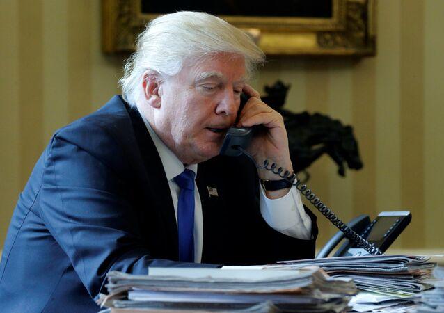 Donald Trump allo Studio Ovale