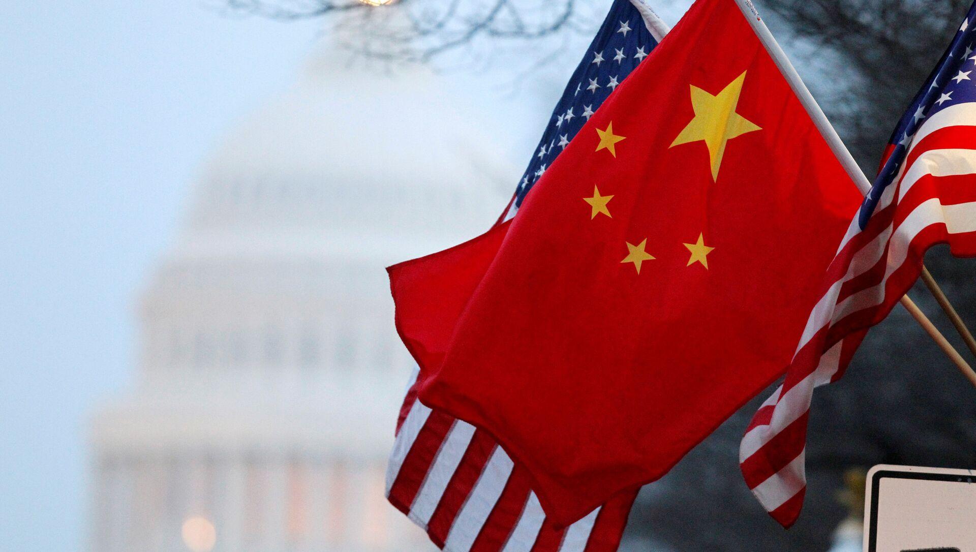 Bandiere di Cina e Stati Uniti - Sputnik Italia, 1920, 19.03.2021