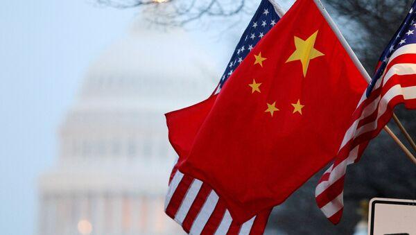 Bandiere di Cina e Stati Uniti - Sputnik Italia