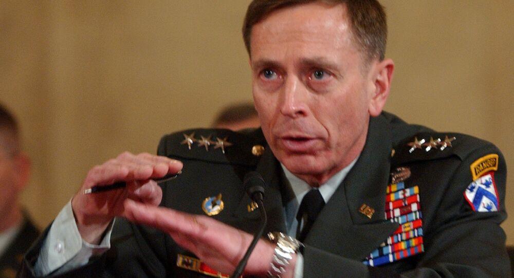 Generale in congedo ed ex direttore della CIA David Petraeus