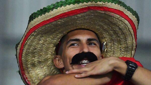 Un messicano sorridente - Sputnik Italia