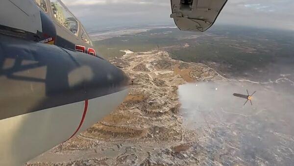 Un caccia SU-25 in azione a Lipetsk - Sputnik Italia