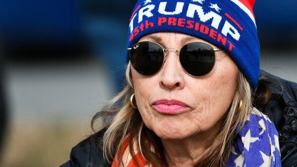 Sostenitrice di Donald Trump alla cerimonia del suo insediamento - Sputnik Italia