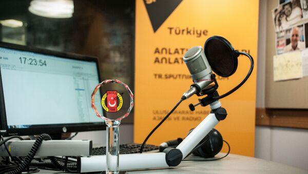 "Radio Sputnik's evening program has received an award from the Turkish Journalists' Association ""For Advances in Journalism."" - Sputnik Italia"