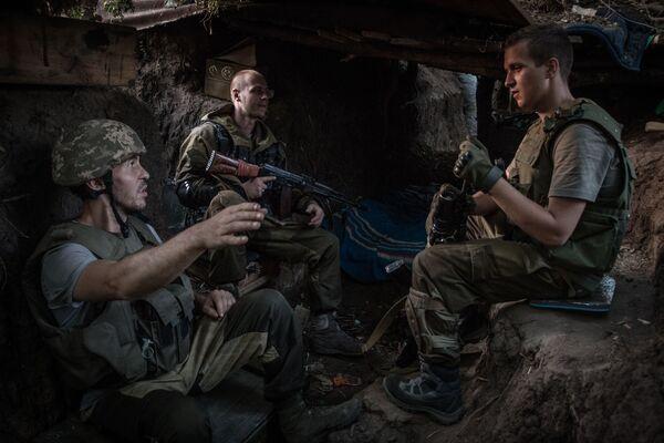 Miliziani di DNR nei pressi di Mar'inka nella regione di Donetsk. - Sputnik Italia