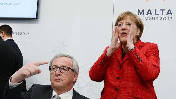 Angela Merkel e Jean Claude Juncker al summit europeo informale di Malta - Sputnik Italia