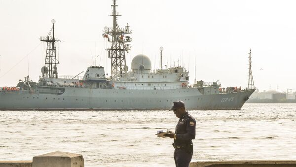 Nave di ricognizione della Marina Militare russa Viktor Leonov - Sputnik Italia