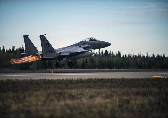 Caccia F-15 dell'aviazione americana