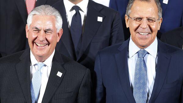 Sergey Lavrov e Rex Tillerson - Sputnik Italia