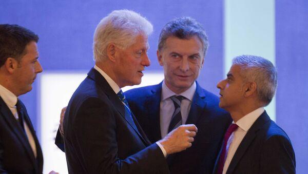 El presidente de Argentina, Mauricio Macri, se reunió en Nueva York con Bill Clinton - Sputnik Italia
