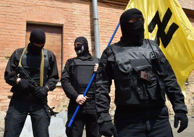 Attivisti del movimento ucraino Settore Destro