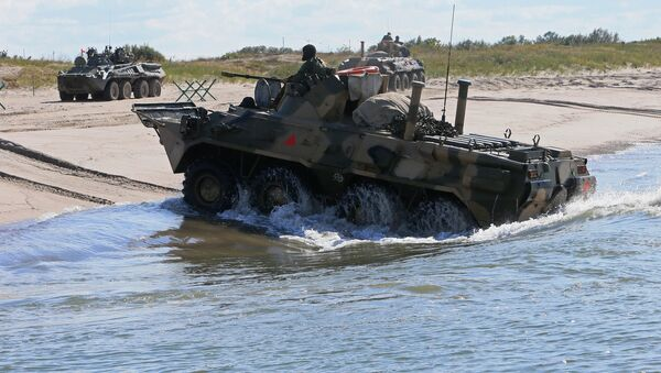 Il BTR-80 russo - Sputnik Italia