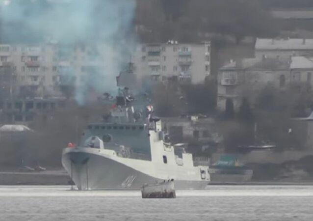Ammiraglio Grirogovich parte da Sebastopoli per le coste siriane