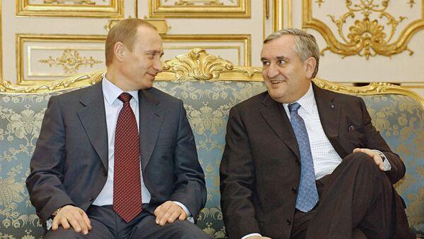 Vladimir Putin e Jean-Pierre Raffarin nel 2003 - Sputnik Italia