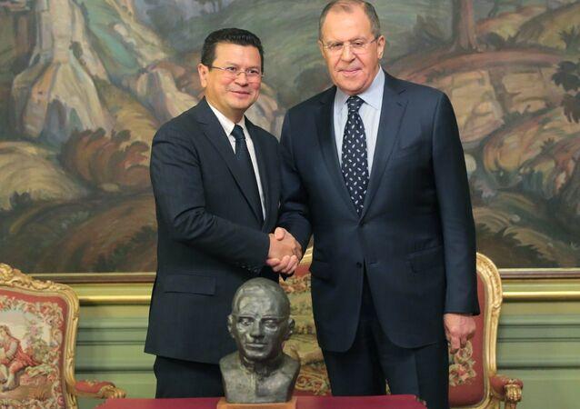 Il ministro degli Esteri russo, Sergey Lavrov, in una conferenza stampa congiunta con il suo omologo di El Salvador, Hugo Martinez.