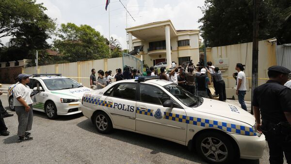 Полицейское оцепление у посольства КНДР в Куала-Лумпур, Малайзия - Sputnik Italia