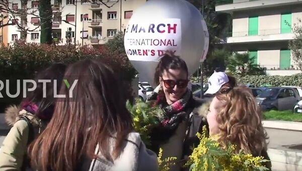 FromRussiaWithLove flashmob russo sulle strade di Roma - Sputnik Italia