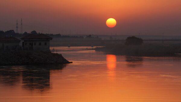 Una vista dell'Eufrate - Sputnik Italia