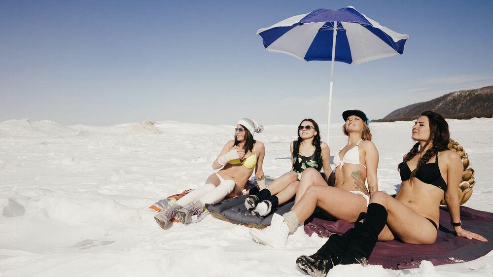 Le spiagge bianche del Bajkal.