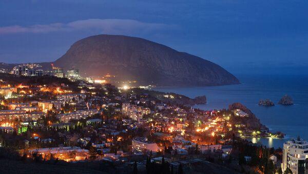 La città di Gurzuf, Crimea - Sputnik Italia