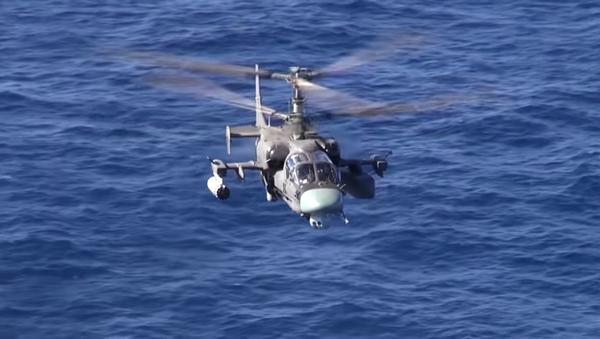 Gli elicotteri Ka-52K e Ka-29 in volo - Sputnik Italia