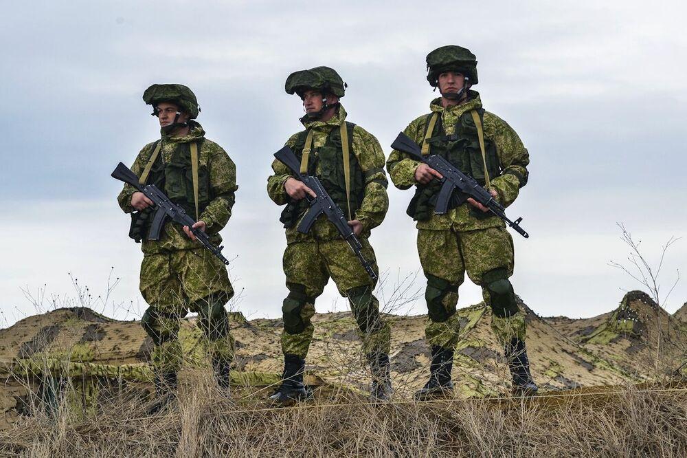 Esercitazioni dell'esercito russo in Crimea