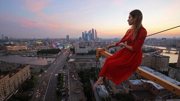 Una donna russa - Sputnik Italia