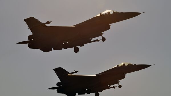 F-16 - Sputnik Italia