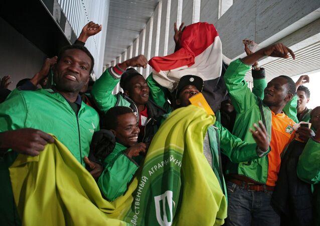 Tifosi della Costa d'Avorio nell'amichevole con la Russia a Krasnodar