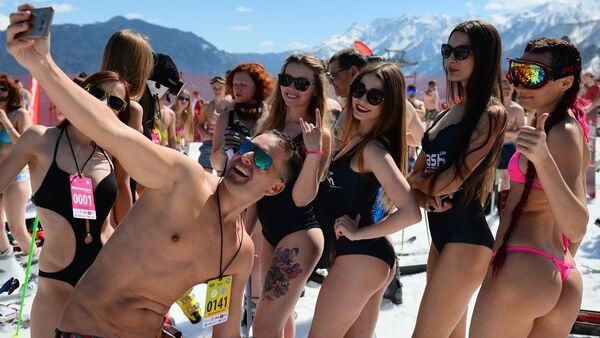 BoogelWoogel alpine carnival in Sochi - Sputnik Italia