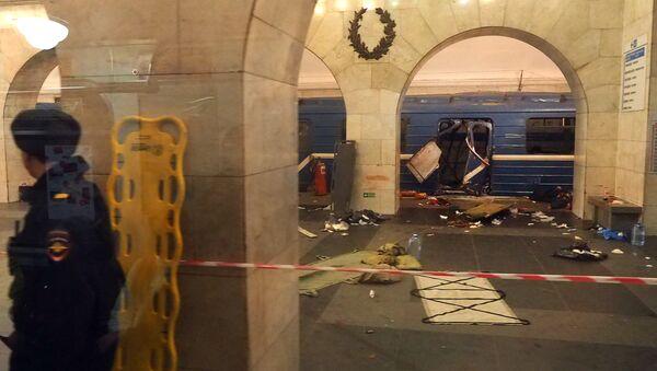 metropolitana di San Pietroburgo dopo le esplosioni - Sputnik Italia