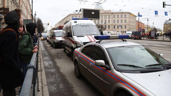 San Pietroburgo, soccorsi nei pressi della stazione della metropolitana Tekhnologichesky Institute - Sputnik Italia