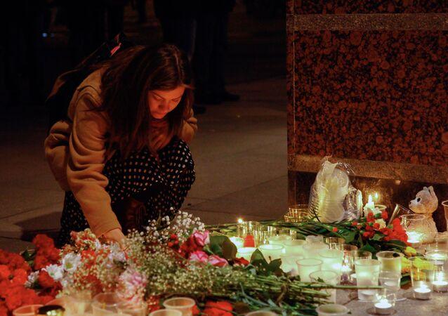 Fiori per le vittime di San Pietroburgo