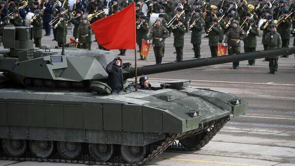 Танк Т-14 Армата механизированной колонны Московского гарнизона во время тренировки к военному параду - Sputnik Italia